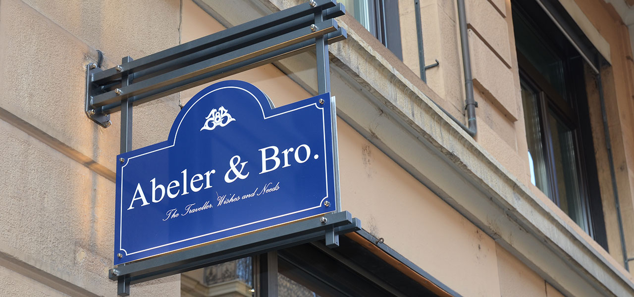 Semm Innenarchitektur - Retail Outlet Abeler & Bro. Zürich 1