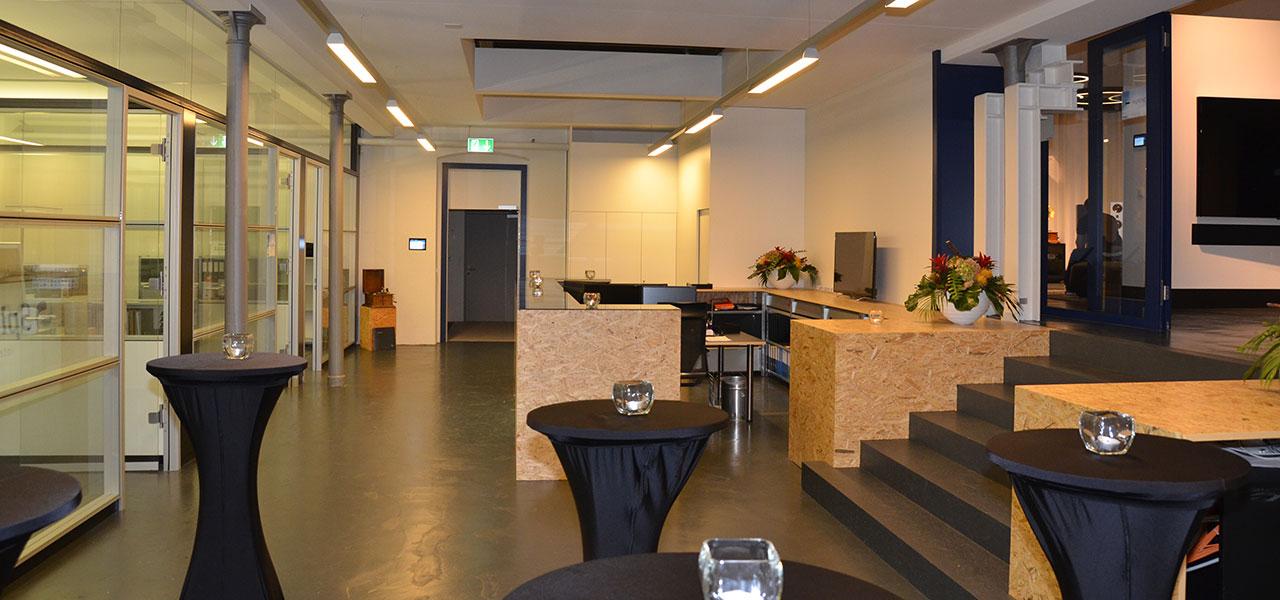 Semm Innenarchitektur - Shop and Office Conversion Spline AG 2