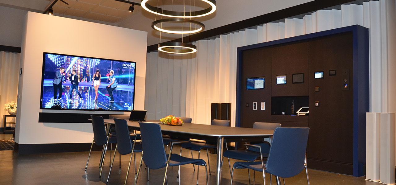 Semm Innenarchitektur - Shop and Office Conversion Spline AG 11